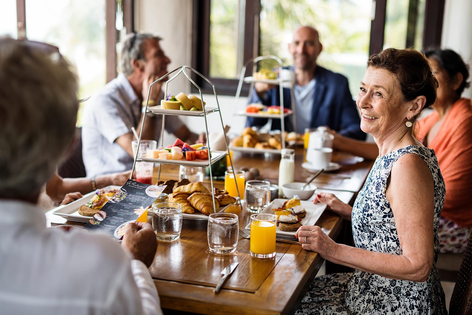 friends with hearing loss dining out